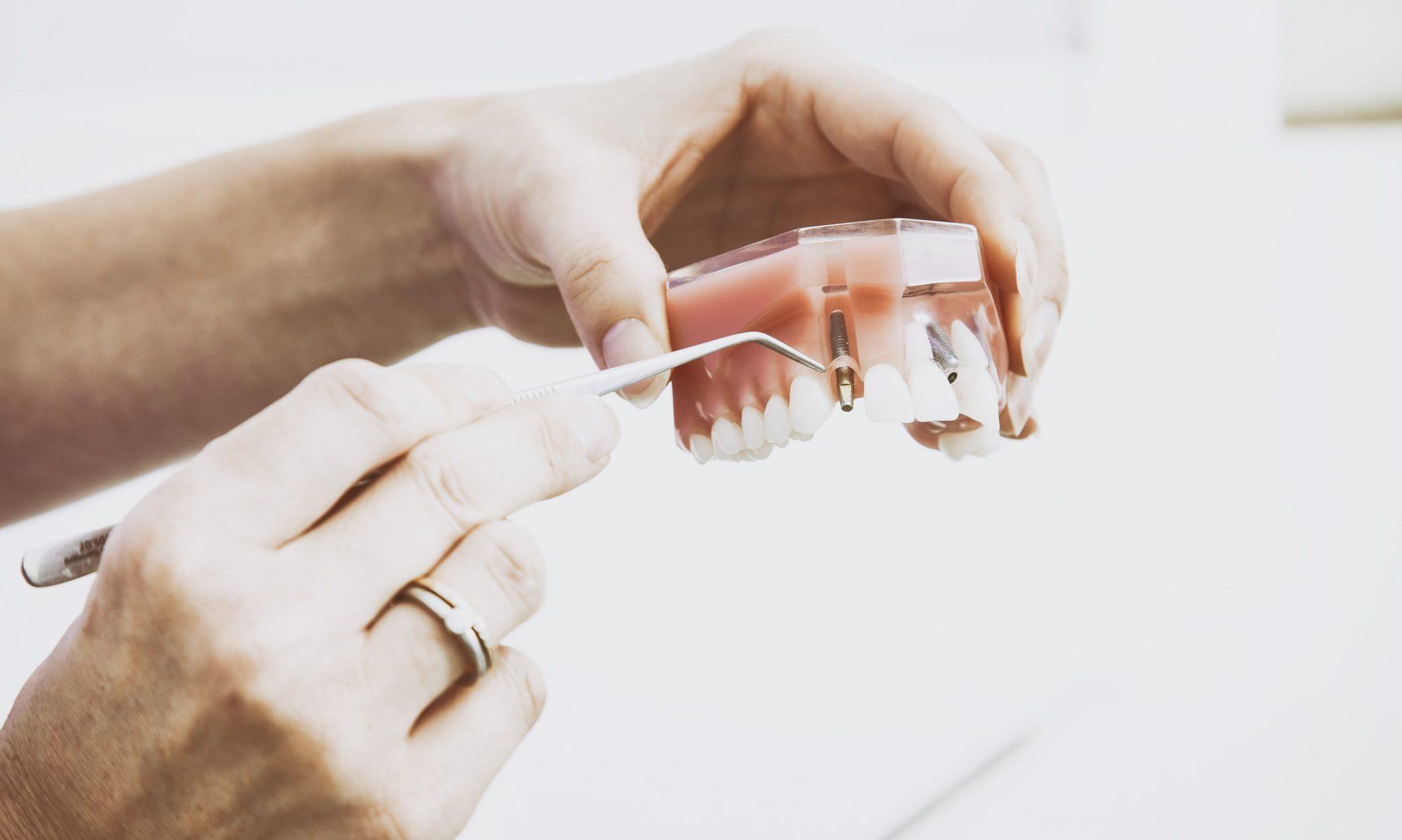 Zahnarztpraxis Stelli-Silimon